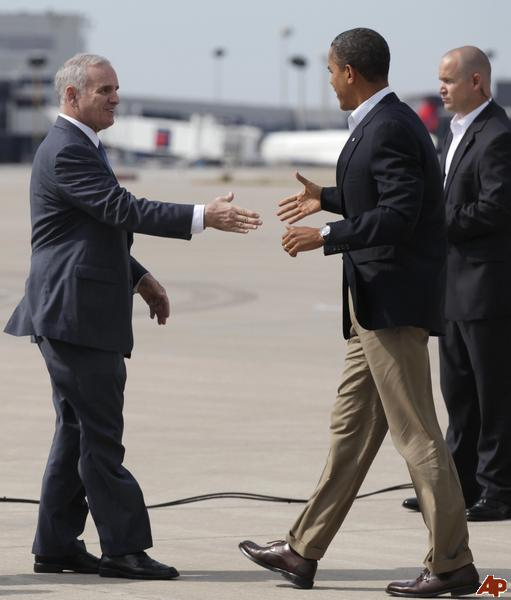[Image: barack-obama-mark-dayton-2011-8-15-12-30...&h=600]