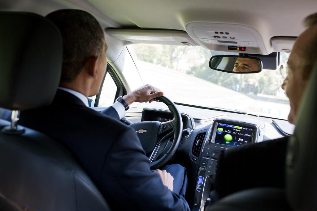 Obama phone woman adjusting