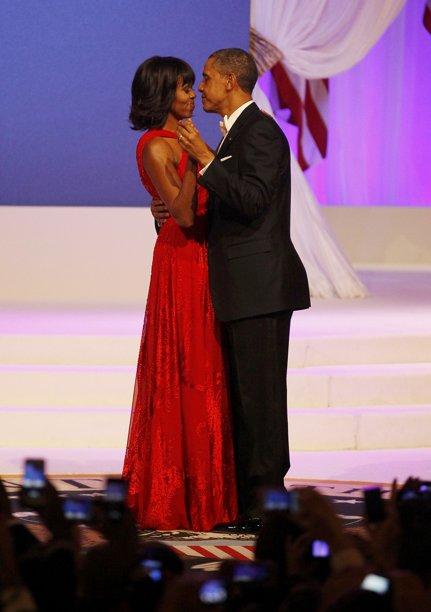 https://obamadiary.files.wordpress.com/2013/01/2013-01-22t022645z_2132309752_tb3e91m06sevv_rtrmadp_3_usa-inauguration.jpg?w=655