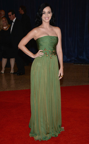 rs_293x473-130427174435-634.katyperry.wh.jc.dinner