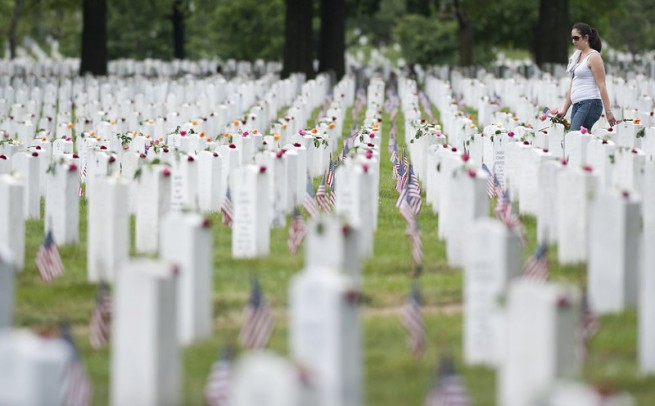 US-POLITICS-MEMORIAL DAY