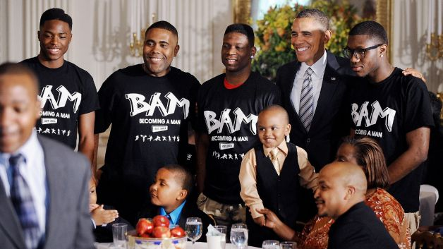 061413-politics-obama-hosts-fathers-day-event-families-white-house