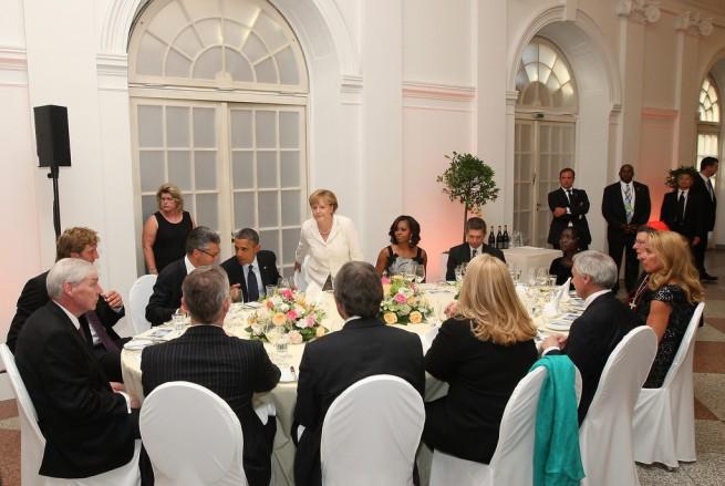 Barack+Obama+Guests+Arrive+Charlottenburg+Q-1dJWwqRCBx