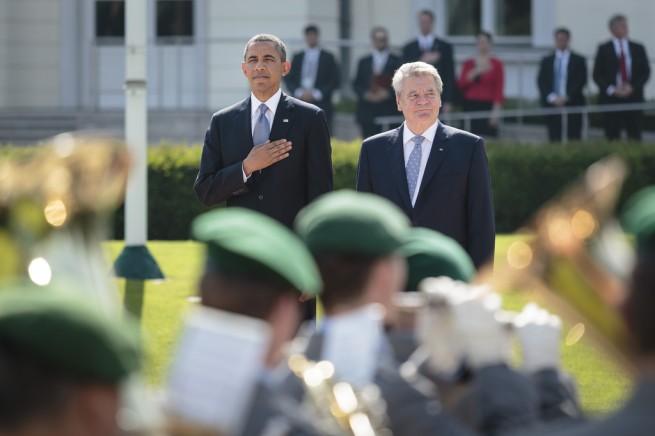 Barack+Obama+President+Obama+Visits+Berlin+9B1-fvFYcA5x