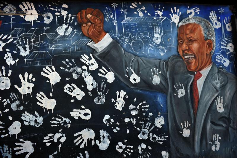 SAFRICA-HEALTH-POLITICS-MANDELA