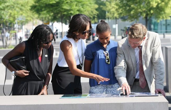 Michelle+Obama+President+Obama+Visits+Berlin+flRPQps_v_1x