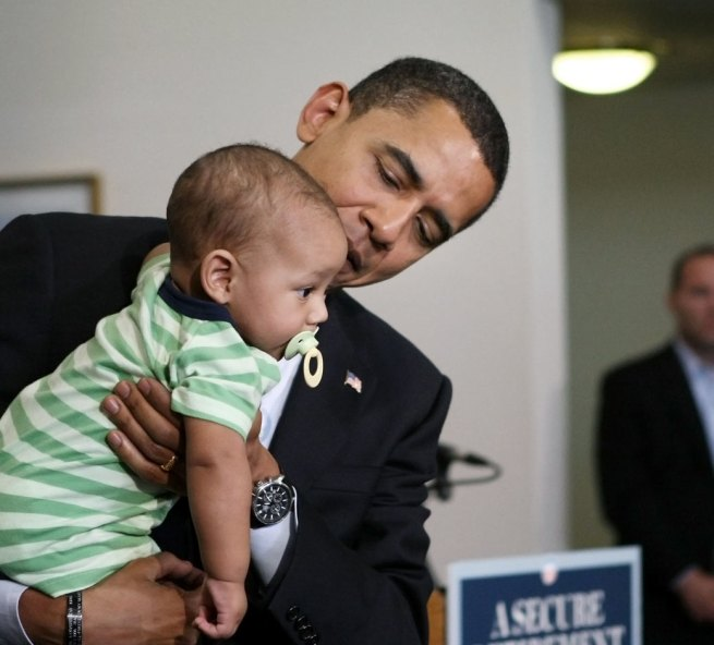 babies-with-obama-1040sp-06-081310