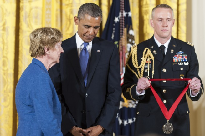 Barack+Obama+Obama+Honors+National+Medal+Arts+6OXKomU20jax