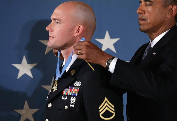 Barack+Obama+Barack+Obama+Presents+Medal+Honor+gNNVS0CqywHl