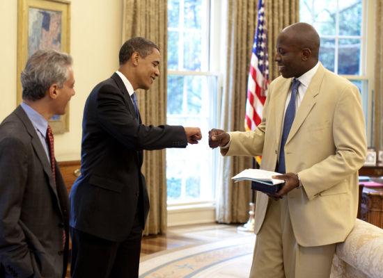President-Obama-Fistbump-8