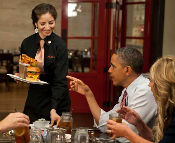 esq-obama-burger-lunch-061912-lg