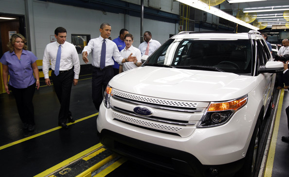 President+Obama+Visits+Ford+Auto+Plant+Chicago+VcA0XPBSzpll
