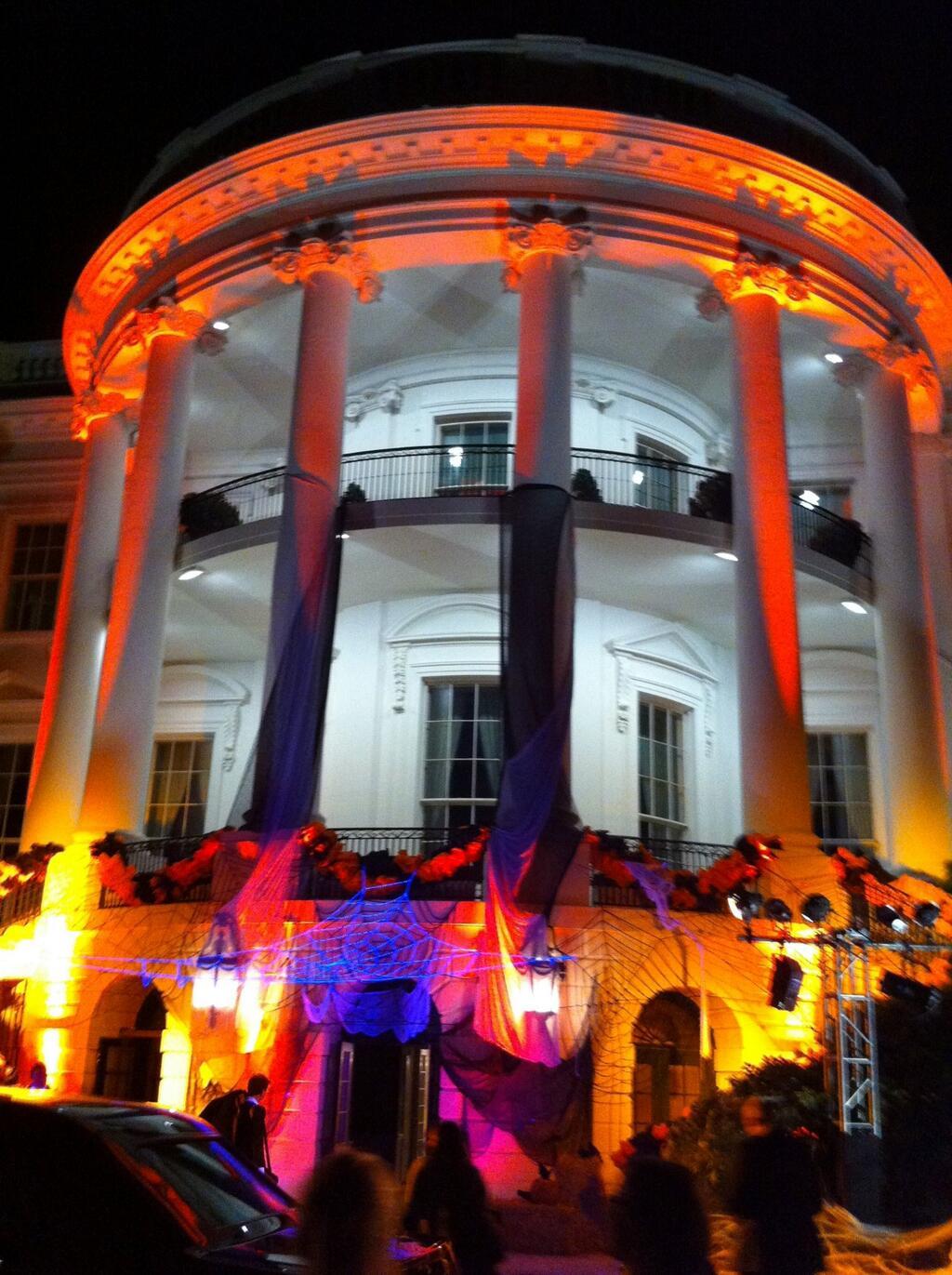 White House Decorated For Halloween Part - 20: White House Decorated For Halloween As POTUS Returned From Boston