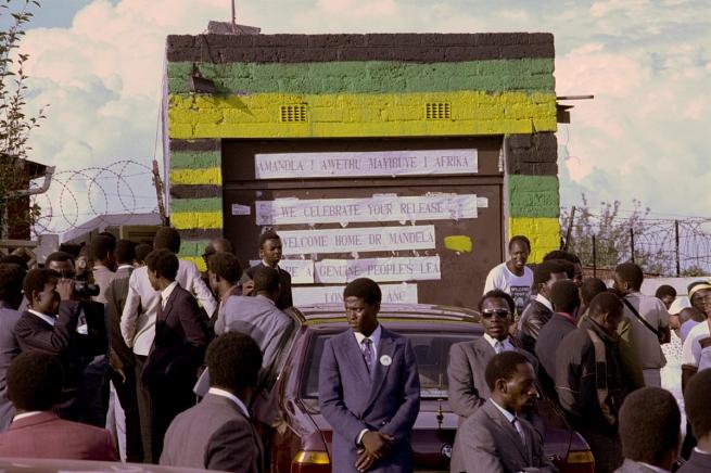 South Africans Celebrate Mandela's Release