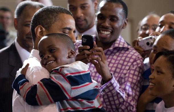 obama-hugs-a-child