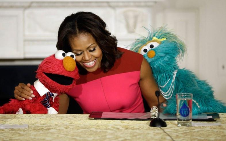 michelle-obama-elmo-fruits-veggies-ftr
