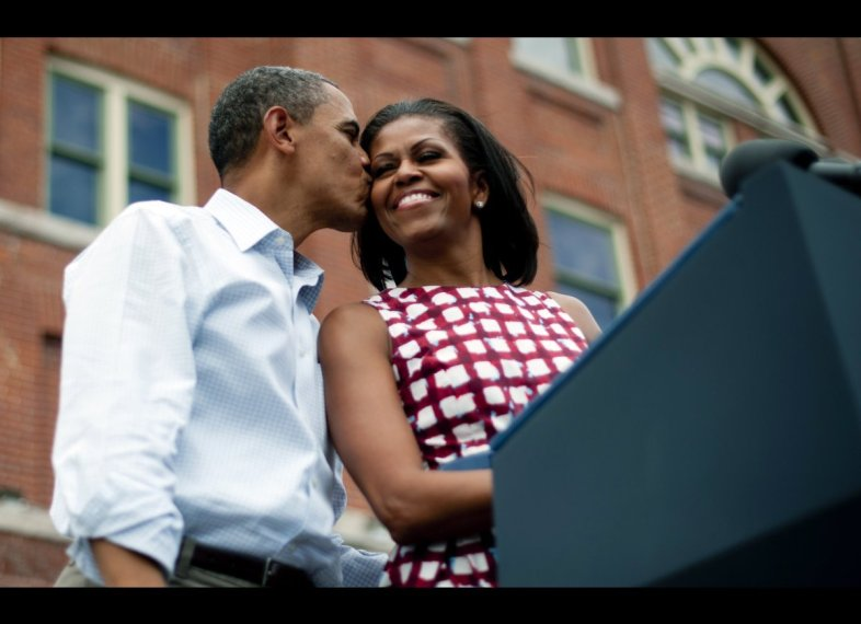 PDA-Alert-Barack-Obama-Michelle-Obama-together-On-the-view-September-25-2012-2