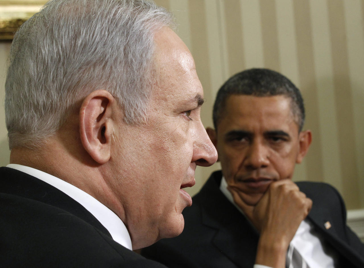 obama-looks-at-netanyahu-during-talks-at-oval-data