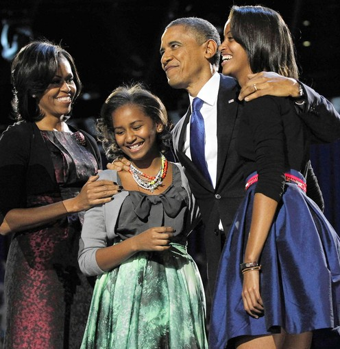 CT  CT-NW-OBAMA-GIRLS_CTMAIN 1109 SR