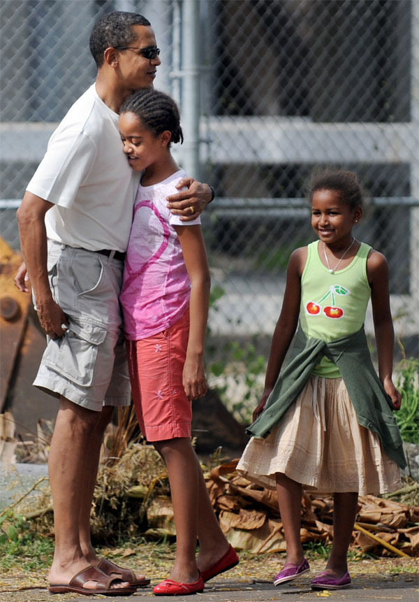 Barack-Obama-and-daughters-Sasha-and-Malia