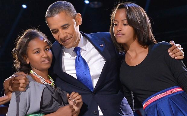 obama-daughters_2391970b
