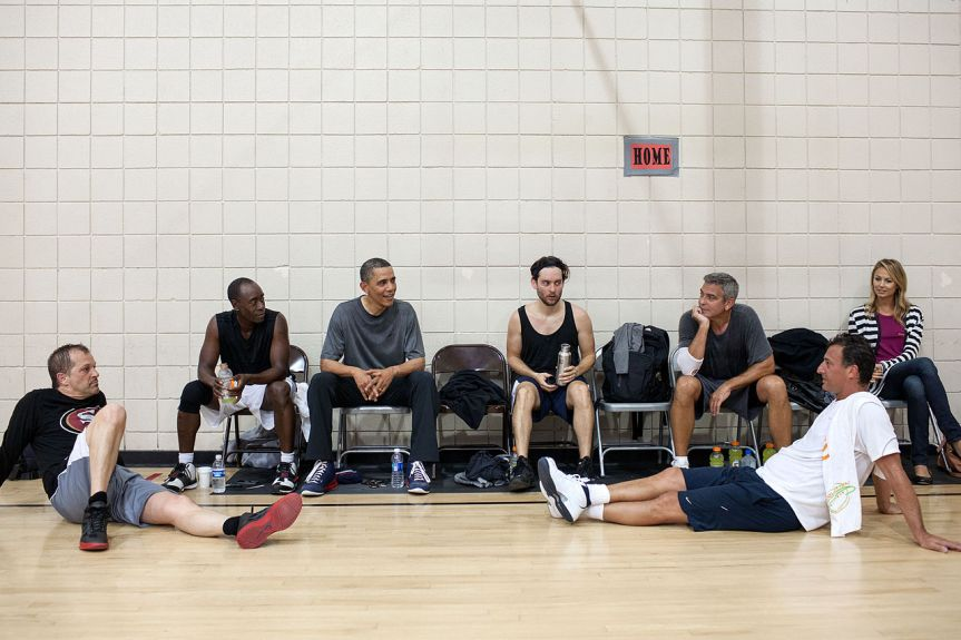1280px-Barack_Obama_after_basketball_with_Don_Cheadle,_Tobey_Maguire,_and_George_Clooney