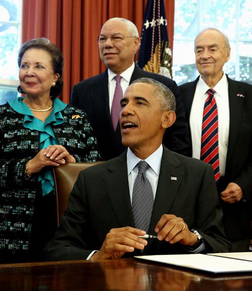 Barack+Obama+Obama+Signs+America+Promise+Summit+Bo2H24NTkO6l