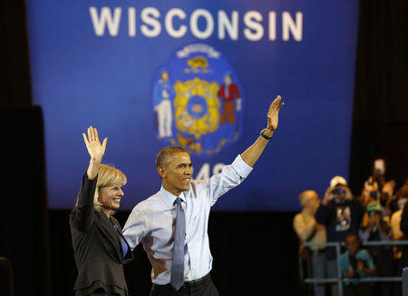 2014-10-29T005426Z_1_LYNXMPEA9S01A_RTROPTP_2_USA-ELECTIONS-WISCONSIN-GOVERNOR