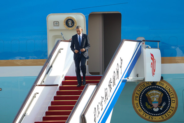 Barack+Obama+President+Barack+Obama+Arrives+5ZTsG4reaNyl