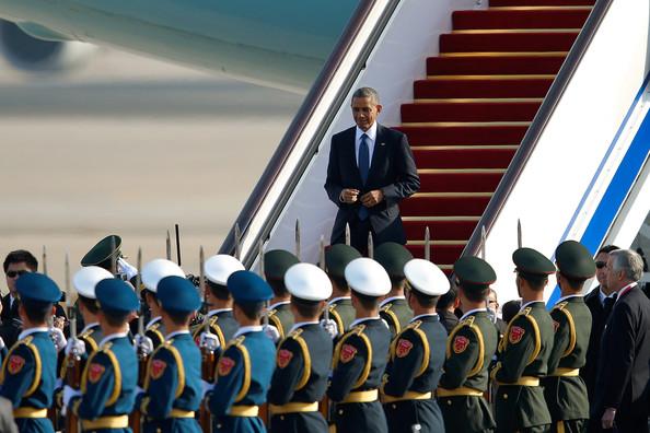 Barack+Obama+President+Barack+Obama+Arrives+K6XeQrIrNUwl