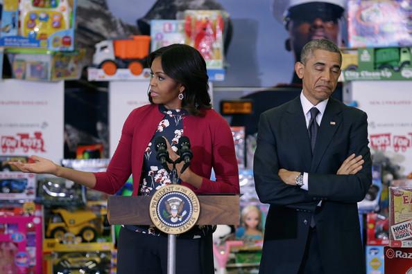 Barack+Obama+Obamas+Team+Up+Toys+Tots+Fov5hCfhO0el