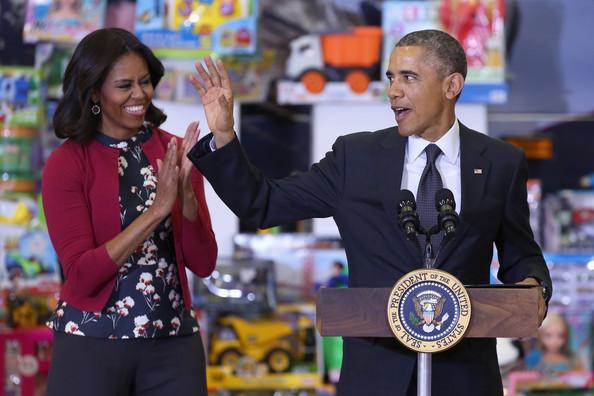 Barack+Obama+Obamas+Team+Up+Toys+Tots+H7I2ZoCXl99l