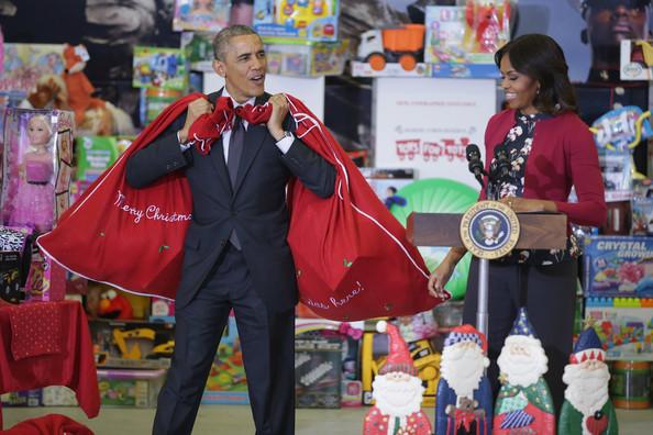 Barack+Obama+Obamas+Team+Up+Toys+Tots+HkhNLebPapZl