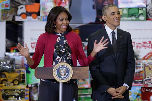 Barack+Obama+Obamas+Team+Up+Toys+Tots+LJGPoaOZVtSl