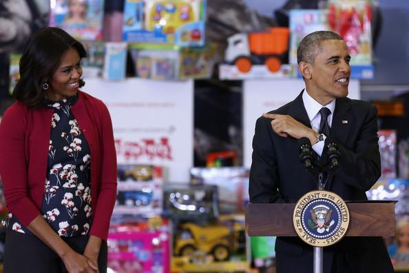 Barack+Obama+Obamas+Team+Up+Toys+Tots+lstI614c626l