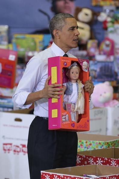 Barack+Obama+Obamas+Team+Up+Toys+Tots+nposJKMb7SPl