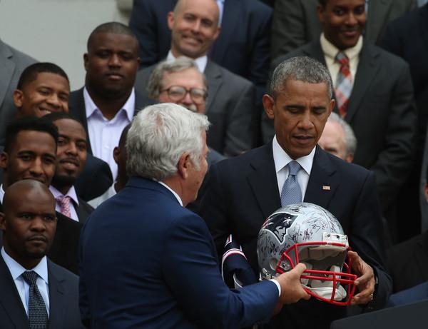Barack+Obama+President+Obama+Hosts+Super+Bowl+3TEcWYTMCiZl