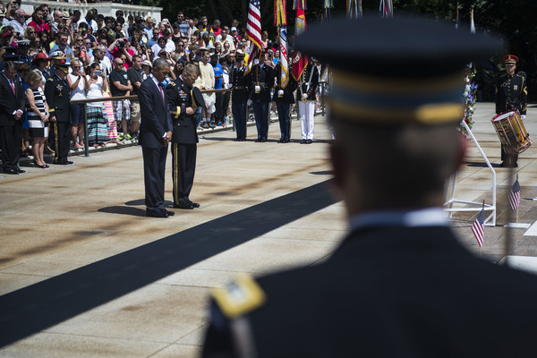 Barack+Obama+Fallen+Soldiers+Honored+Memorial+XioJEZ_SarEl