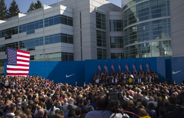 Barack+Obama+President+Obama+Speaks+Nike+Headquarters+m0CylkzQ-PBl