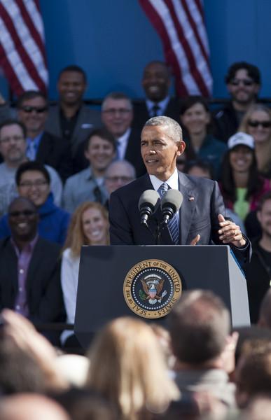 Barack+Obama+President+Obama+Speaks+Nike+Headquarters+TWqm7Lio-rRl