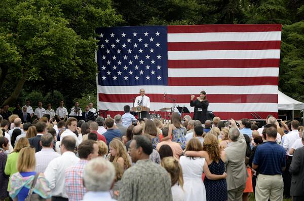 Barack+Obama+President+Obama+Delivers+Remarks+jOaZ77H1H5-l