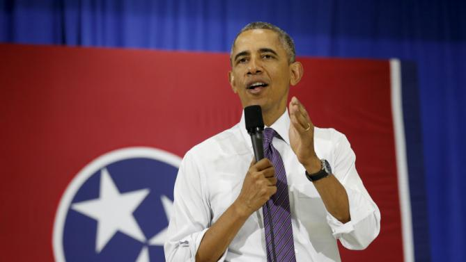 U.S. President Barack Obama speaks about the Affordable Care Act during a visit to Taylor Stratton Elementary School in Nashville, Tennessee July 1, 2015. REUTERS/Kevin Lamarque