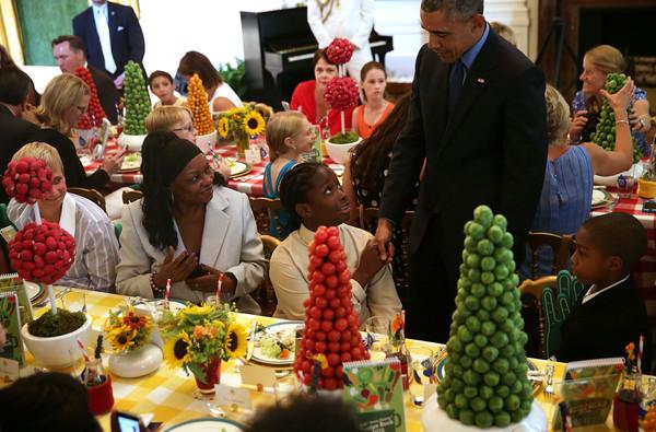 Barack+Obama+President+Obama+Visits+First+JhpLP64_9oBl