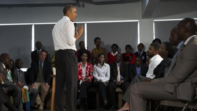 President Barack Obama meets with civil society leaders at the YALI Regional Leadership Center, on Sunday, July 26, 2015, in Nairobi. On the final day of his visit in Kenya, Obama laid out his vision for Kenya's futurevand broad themes of U.S.-Kenya relations. (AP Photo/Evan Vucci)