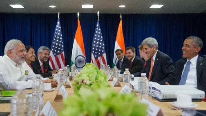 President Barack Obama and Indian Prime Minister Narendra Modi, left, meet together in a bilateral meeting, Monday, Sept. 28, 2015, at United Nations headquarters. (AP Photo/Andrew Harnik)