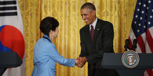 Barack+Obama+Obama+Meets+President+Park+South+_ZcKDRwISkBl