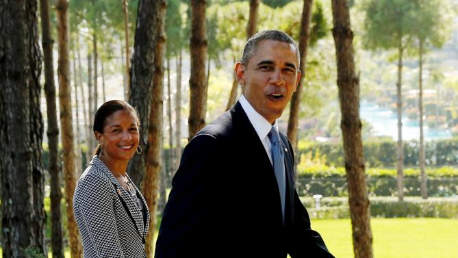 U.S. President Barack Obama deflects a reporter's question as he departs with National Security Advisor Susan Rice after meeting with Turkey's President Tayyip Erdogan at the Regnum Carya Resort in Antalya, Turkey, November 15, 2015. Erdogan and Turkey are hosting world leaders for the G20 summit Sunday and Monday. REUTERS/Jonathan Ernst