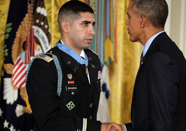 Barack+Obama+Obama+Awards+Medal+Honor+Retired+EdD5aSTKzHYl