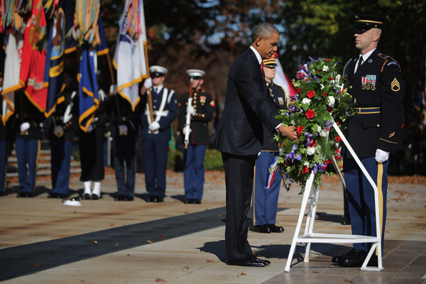 Barack+Obama+Veterans+Day+Commemorated+Arlington+EfOTXIKBEn5l