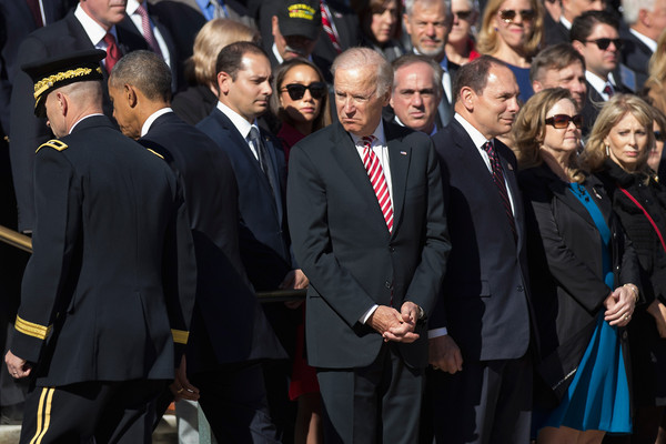 Barack+Obama+Veterans+Day+Commemorated+Arlington+YFCS3fBsrIKl